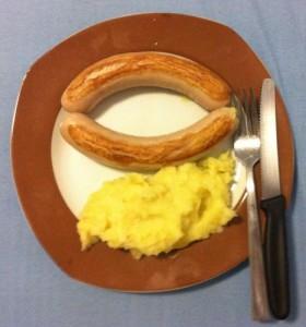 kartoffelbrei-mit-wuerstchen